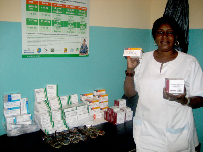 entrega de material en Senegal